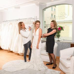 Melissa auf Brautkleidsuche